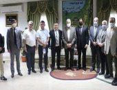 محافظ جنوب سيناء يلتقى ممثلى مؤسسة دولية لمسابقات التراث للترويج لسباقات الهجن
