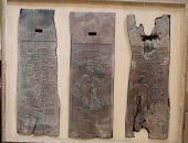 س وج.. ترميم اللوحات الخشبية بمصطبة حسى رع بالمتحف المصرى..كيف يتم إصلاحها؟