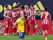 سواريز وكاراسكو يقودان أتلتيكو مدريد أمام ليفانتي في الدوري الإسباني