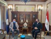 وزير السياحة يلتقى نجيب ساويرس لمناقشة رفع كفاءة الخدمات السياحية بالأهرامات