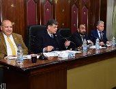 رئيس صحة البرلمان: كورونا لن يكون موجودا العام المقبل ومصر فى نهاية الموجة الثانية.. صور