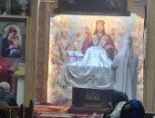 كنائس القاهرة تستأنف القداسات بعد توقف 50 يوما.. وهذه تعليمات جديدة.. صور