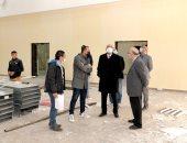 رئيس جامعة المنصورة يتفقد تجهيز مراكز الاختبارات الالكترونية بالكليات.. صور