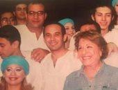 سميحة أيوب مع بيومى فؤاد وكريم الحسينى فى صورة نادرة من 17 سنة
