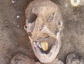 مومياوات بألسنة ذهبية تخاطب الموتى.. اندبندنت تبرز كشف الإسكندرية الأثرى