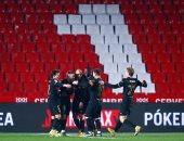 برشلونة يتخطى عقبة غرناطة بأعجوبة فى كأس إسبانيا بمباراة الـ8 أهداف.. فيديو