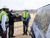 الرئيس السيسى يتفقد مشروعات تطوير طرق ومحاور مناطق شرق القاهرة
