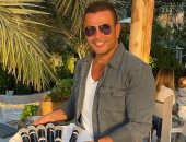 عمرو دياب يعلن نفاد تذاكر حفله في السعودية يوم الجمعة المقبل