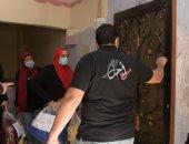 جامعة القاهرة توزع 145 بطانية وتقدم مساعدات لأهالي عشش السودان بالجيزة