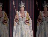 أكثر أزياء الملكة إليزابيث فخامة.. فستان التتويج تم تصنيعه فى 8 شهور.. ألبوم صور
