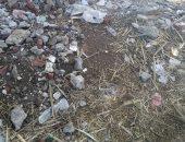 """شكوى من انتشار القمامة بقرية اودهباشا بالمنيا.. رئيس المدينة تستجيب""""صور"""""""