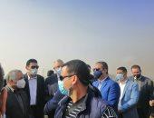 وزير الزراعة يتفقد معصرة زيت الزيتون بمنطقة كوم أوشيم بالفيوم.. صور