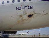 الصور الأولى لطائرة مدنية تعرضت لاعتداء حوثى على أرض مطار أبها الدولى
