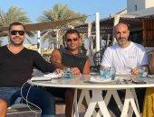 أول صورة من كواليس تصوير إعلان عمرو دياب وإنجى كيوان الجديد