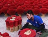 قرية البخور.. 3000 أسرة في فيتنام تنشط تجارتها قبل السنة القمرية.. ألبوم صور