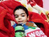 والدة طفل مصاب بمرض نادر فى كفر الشيخ تروى مأساة نجلها.. صور