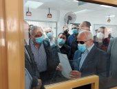 محافظ بورسعيد يوجه بميكنة جميع الإجراءات داخل مركز الخدمات الإستيرادية.. صور