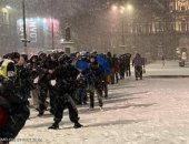 طوابير المشردين تثير الغضب بأسكتلندا بسبب انتظارهم وجبة ساخنة.. صور