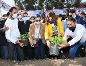 وزيرتا الهجرة والبيئة ومحافظ الغربية يغرسون 3 أشجار بقرية صفط تراب فى المحلة