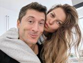 انستجرام نجوم الكورة.. ليفاندوفكسي يحتفل بعيد الحب مع زوجته