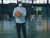 موسيمانى يكشف عن موهبته في كرة السلة ويتحدى فريق الأهلي.. فيديو وصور