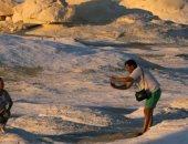 الجارديان البريطانية تنشر تقريرًا حول جبال الصحراء البيضاء في مصر