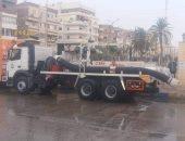 استمرار انتشار سيارات شفط المياه في شوارع وميادين محافظات القناة