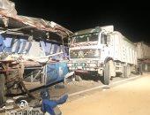 أسماء المصابين فى حادث تصادم مينى باص بشاحنة في السويس بينهم 3 أطفال أشقاء