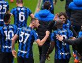 إنتر ميلان يستضيف جنوى بهدف تعزيز صدارة الدوري الإيطالي