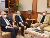 محافظ بورسعيد يستقبل وزير الري لتفقد مشروعات تأهيل الترع ومعالجة الصرف..صور