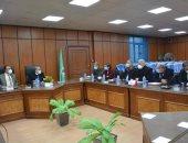 محافظ المنيا يعقد الاجتماع الدورى مع نواب البرلمان ويبحث عددا من الملفات الهامة