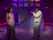 """باد بانى يقدم """"La Noche de Anoche"""" مع روزاليا فى برنامج SNL"""