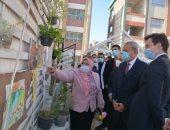 محافظ القليوبية وسفير السويد يتفقدان مشروع الفصل الأخضر بمدرسة القناطر الخيرية