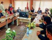 محافظ مطروح يلتقى المسئولين التنفيذيين ويستجيب لمطالب أهالى سيوة