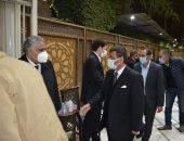 إعلاميون وشخصيات عامة ونواب سابقون يشاركون بعزاء النائب السابق محمد العقاد
