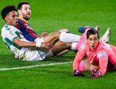 ملخص وأهداف مباراة برشلونة ضد إلتشي في الدوري الاسباني