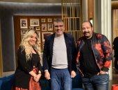 """محمد ثروت وزوجته ضيوف عمرو الليثى ببرنامج """"واحد من الناس"""" السبت"""