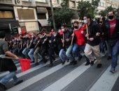 صور.. مئات الطلاب يتظاهرون فى اثينا اعتراضا على قرار الحكومة بتشكيل شرطة جامعية