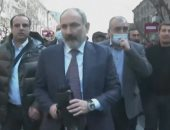 رئيس وزراء أرمينيا يدعو المعارضة لمحادثات مع تفاقم الأزمة