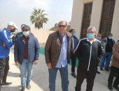 مختار ونبيل ورضوان يتصدرون مشهد صلاة جنازة محمد زمزم بالمقاولون ..صور