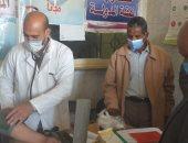 الكشف على 833 حالة خلال قافلة طبية بقرية نجع السباعى بقنا 