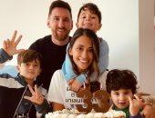 ميسي يحتفل بعيد ميلاد زوجته انتونيلا وسط أجواء عائلية قبل موقعة إشبيلية
