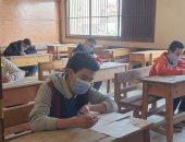 انتظام لجان الامتحان المجمع لطلاب الثانى الإعدادى فى المدارس