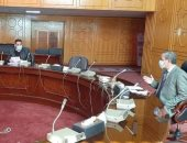 محافظ الإسماعيلية يترأس اجتماع اللجنة العليا لحركة النقل والمرور