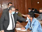 انتظام الامتحانات داخل 15 كلية بجامعة قناة السويس.. صور