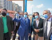 محافظ الإسكندرية يعلن حملات إزالة لمنشآت الكافيهات الحاجبة لرؤية البحر.. صور
