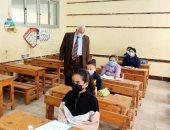 وكيل تعليم الإسكندرية يؤكد انتظام سير عملية امتحانات النقل بالمحافظة