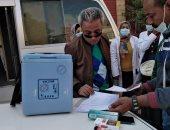 """وكيل """"صحة قنا"""" يتابع حملة التطعيم ضد مرض شلل الأطفال"""