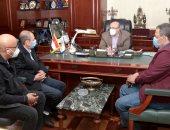 محافظ بنى سويف يبحث مع مسؤولى الصحة أعمال حملة التطعيم ضد شلل الأطفال