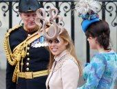 أغلى أزياء العائلة المالكة.. قبعة بياتريس بـ 3300 دولار وفستان ميجان مع أوبرا